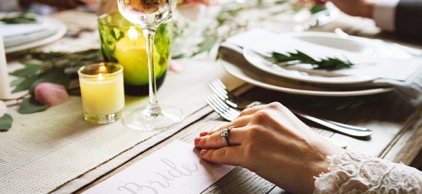 הזמנה לחתונה: כך תעצבו את ההזמנה שלכם ותדהימו את כולם