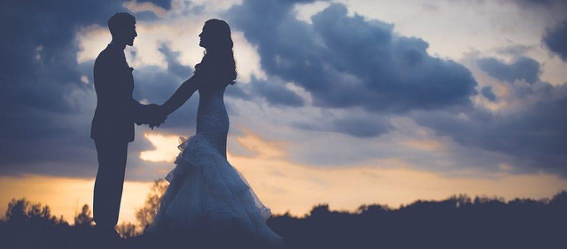 צלם לחתונה - למה הוא עולה יותר מצלם לבת מצווה?