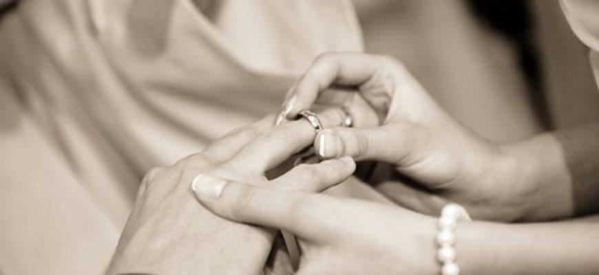תכשיטים לחתונה – מה כדאי לענוד